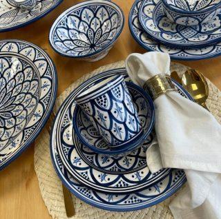Nieuw aan onze webshop toegevoegd, prachtige Marokkaanse aardewerk van de beste kwaliteit. Nu beschikbaar in de kleur blauw 🔷🔹🔷 📸 Klik op de foto of 🛒 Shop op: www.darnastore.nl 🛒 ____________________________________ #pottery #handmade #clay #art #stoneware #homedecor #design #instapottery #potterylove #pottersofinstagram #morocco #fez #wheelthrown #tableware #handmadepottery #porcelain #handmade #interiordesign #potterystudio #craft #potter #artist #glaze #potterylife #ceramique #bhfyp